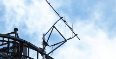鉄塔の上のアンテナ