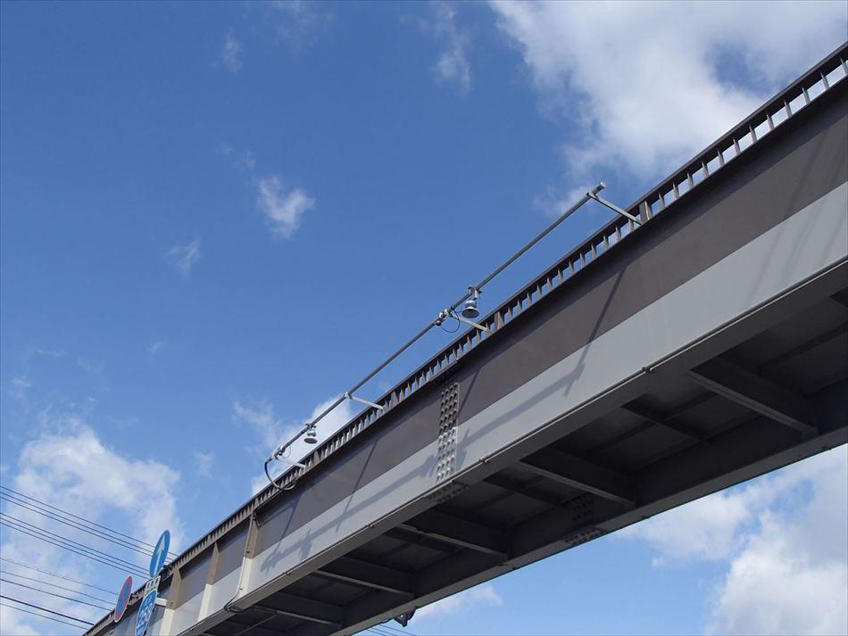 岐阜国道事務所管内における歩道橋への交通量計測装置(トラカン)の設置状況