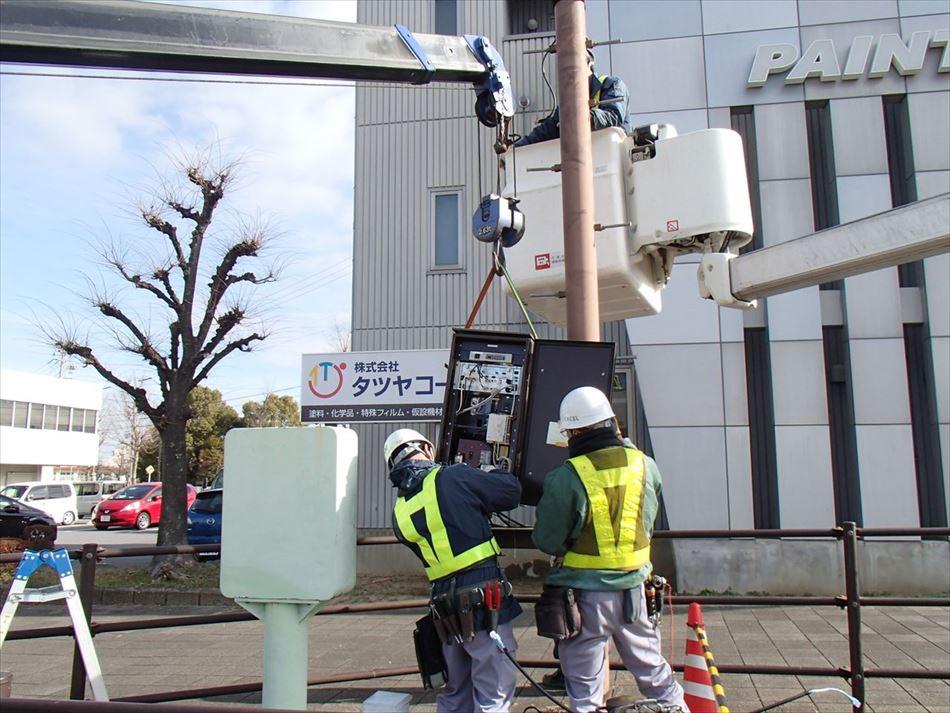 名古屋国道事務所管内のCCTVカメラにおけるユニック車による設置状況