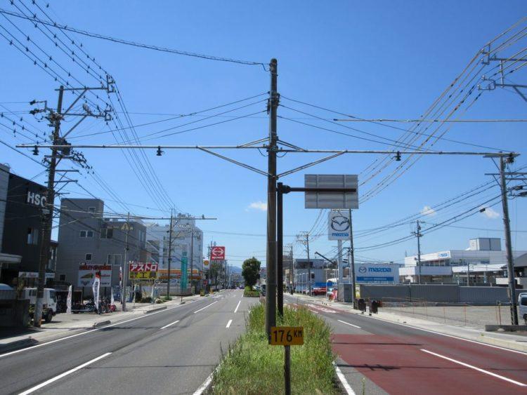 両車線に交通量計測装置(トラカン)の設置