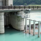 三峰川総合開発工事事務所管内の分派堰に設置した濁度計センサー