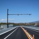 沼津河川国道事務所管内の伊豆縦貫道に設置した交通量計測装置(トラカン)