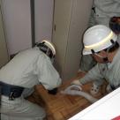 天竜川上流河川事務所管内における室内での機器移設作業