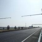4車線をカバーする交通量計測装置(トラカン)の設置