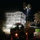 倒壊寸前になった熊本県宇土市役所での夜間作業状況