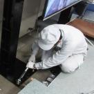 液晶モニター支柱設置 支柱固定作業